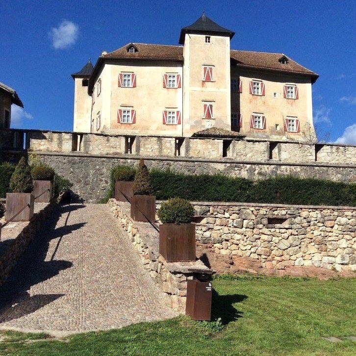 castel thun- esterno- i love val di non