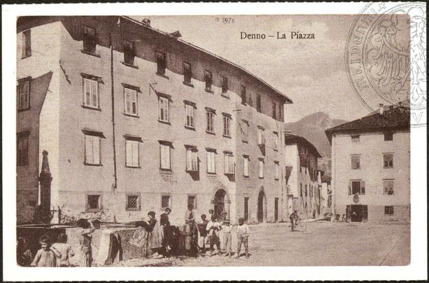 vecchie cartoline - Denno la piazza 1925