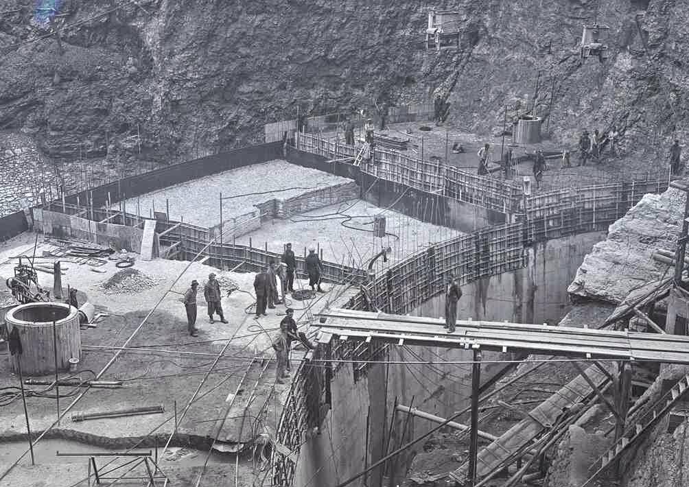 diga di Santa Giustina in costruzione 1947 - credit photo progettodighe.it