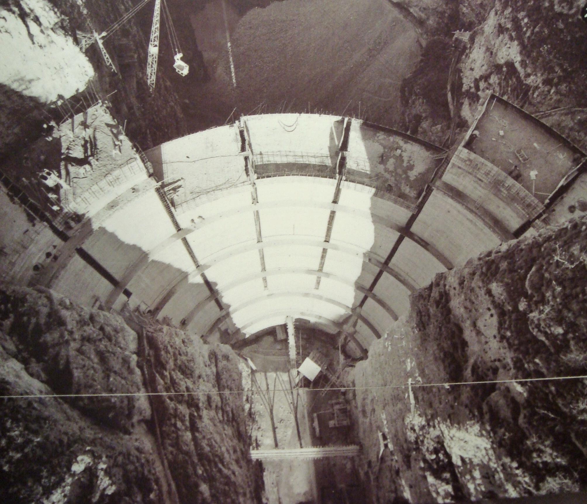 diga di Santa Giustina in costruzione 1948