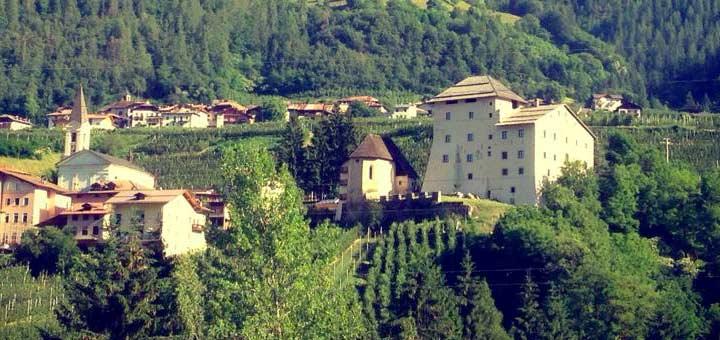 Castel Caldes I love val di non