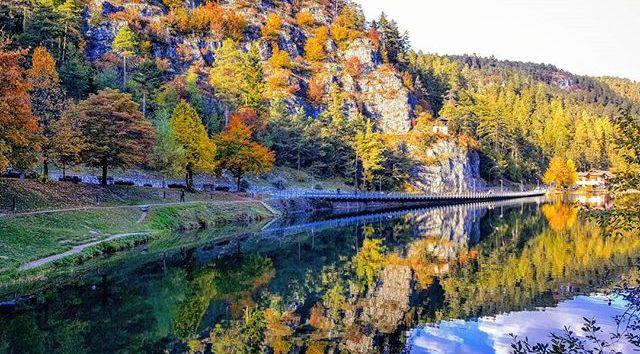 autunno in montagna-lago smeraldo