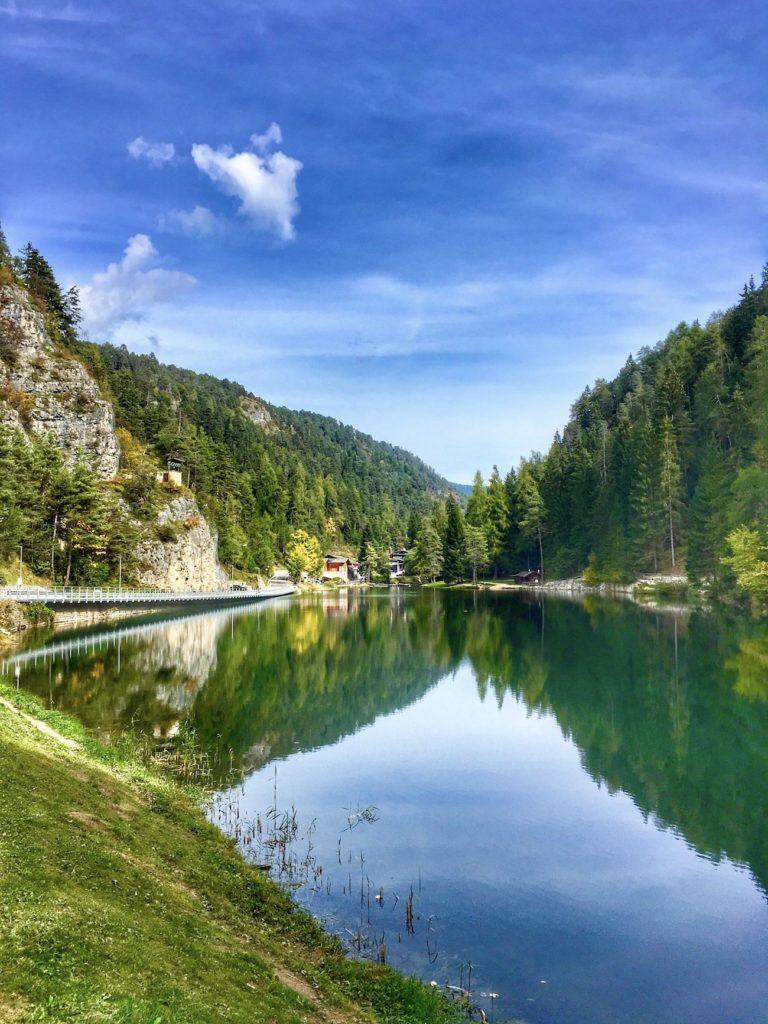 lago-smeraldo-fondo-cosa vedere in val di non