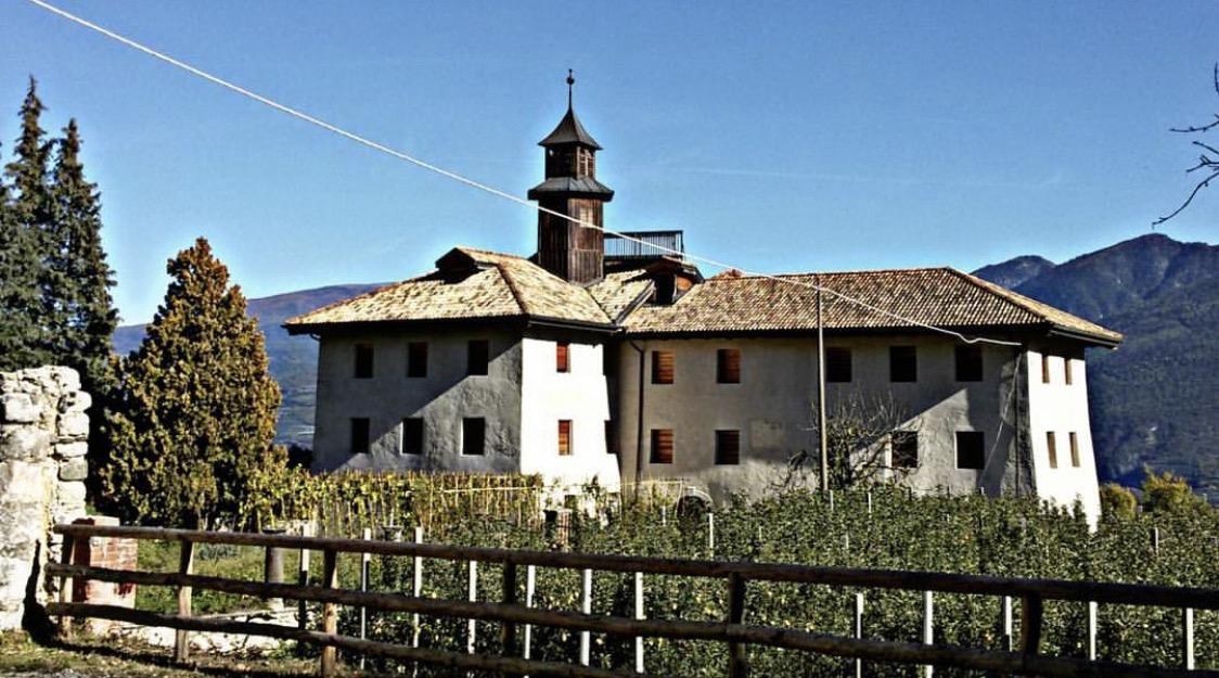 Cosa fare a maggio in Val di Non - Castel La Santa - Marco Formolo- I love val di non