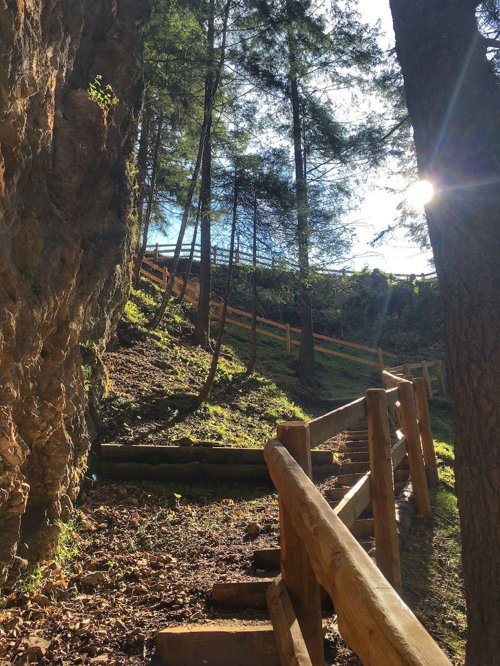 cascata-di-Tret-sentiero scalini