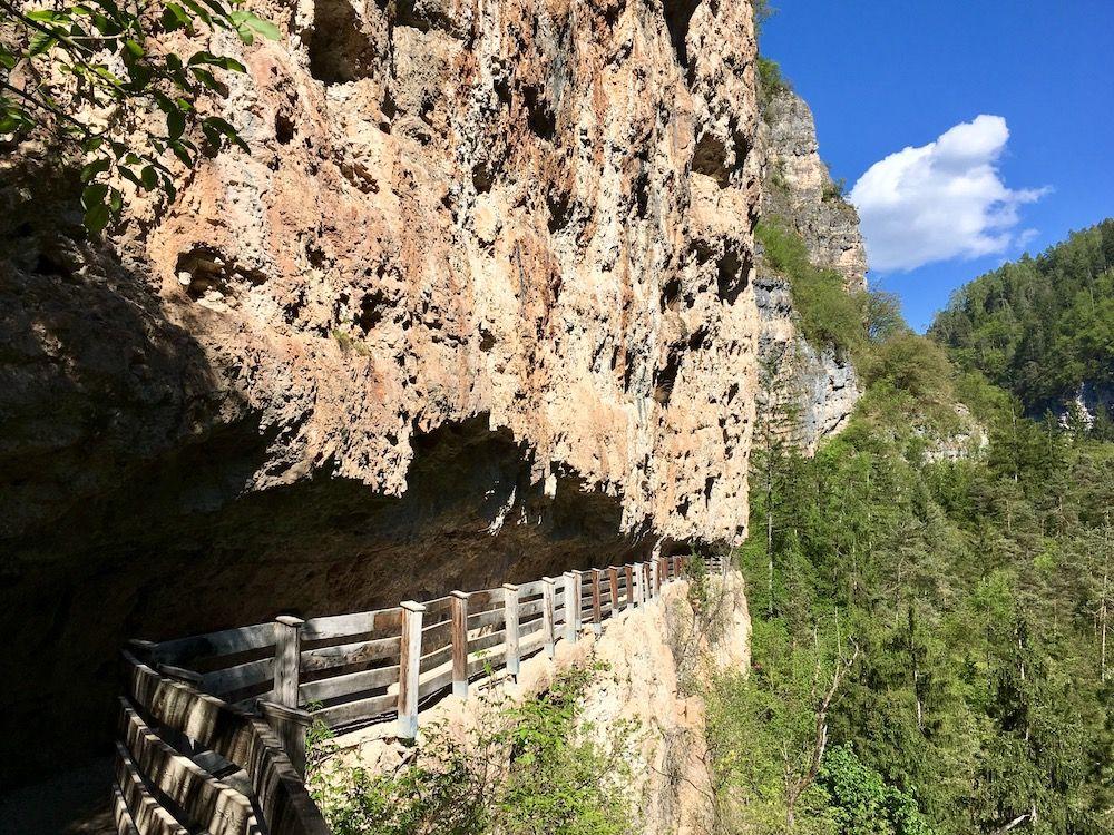 sentiero nella roccia-canale-san romedio-i love val di non