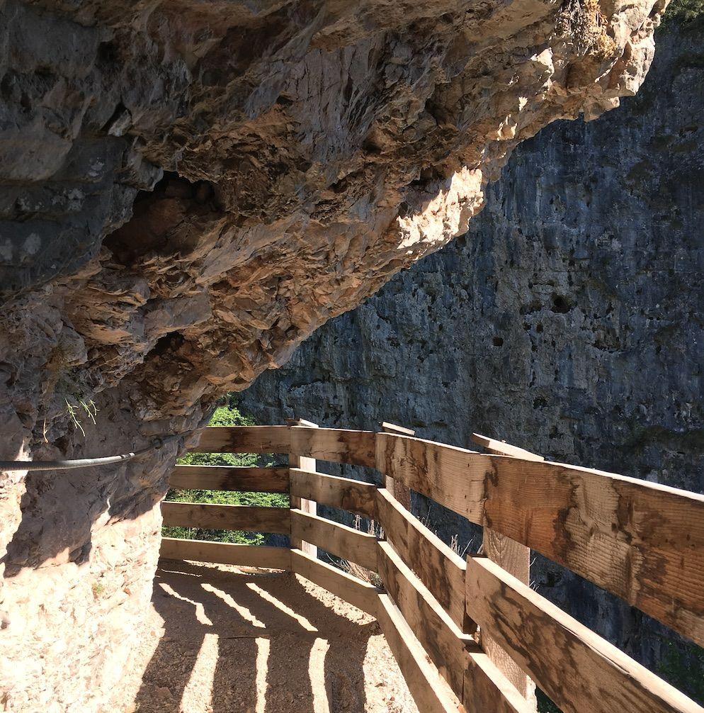 sentiero nella roccia per san romedio-val di non