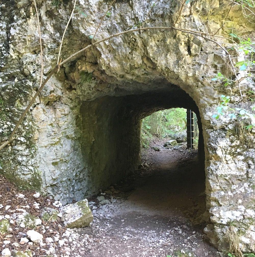 sentiero nella roccia san romedio galleria