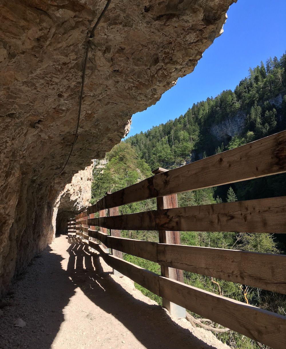 sentiero-nella-roccia-per san-romedio