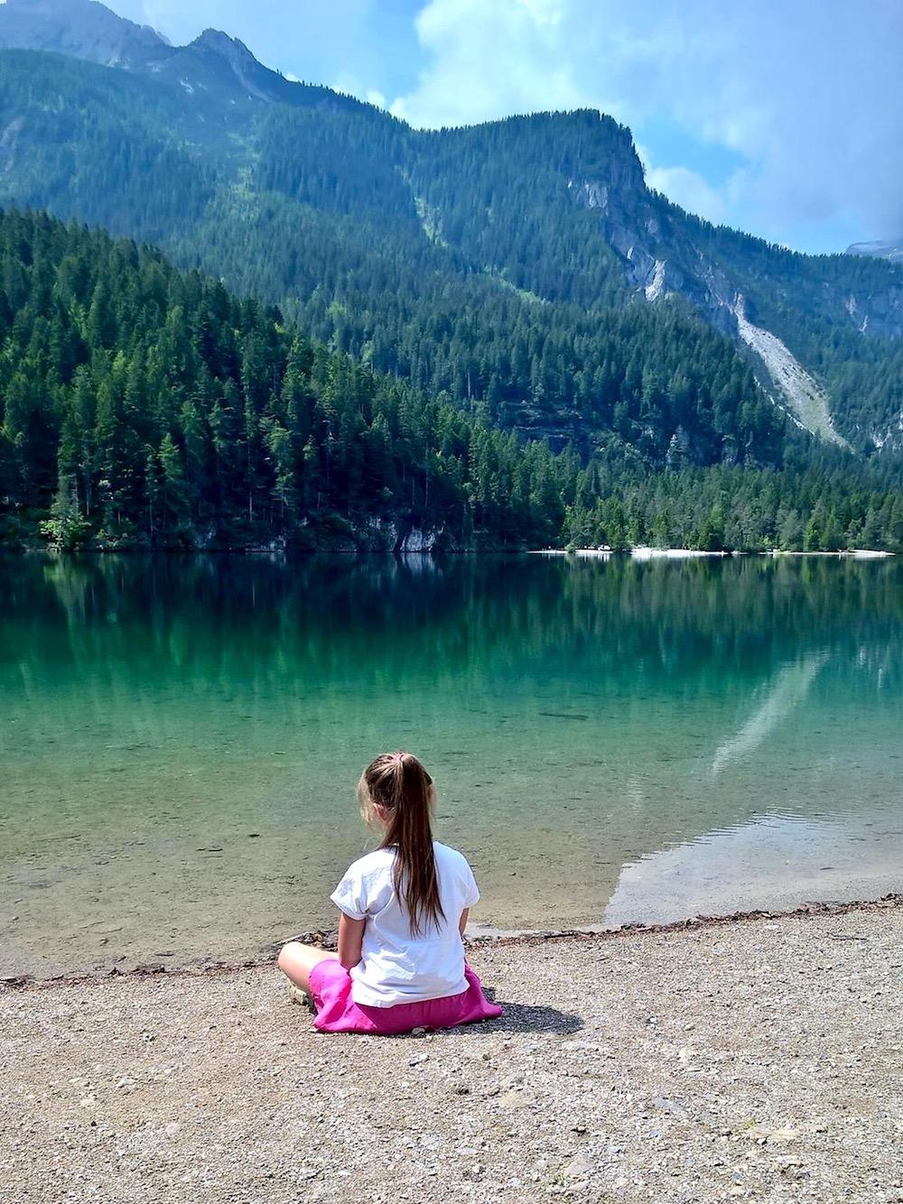 lara giovanazzi-bambini in montagna-lago di tovel-i love val di non