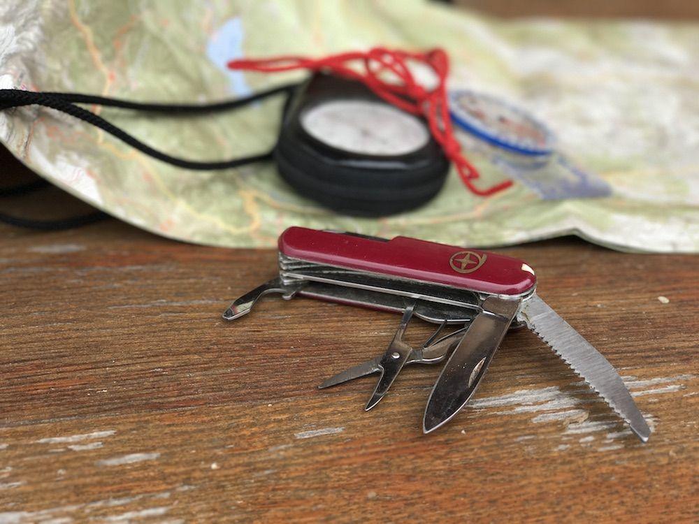 coltellino - cosa portare in montagna