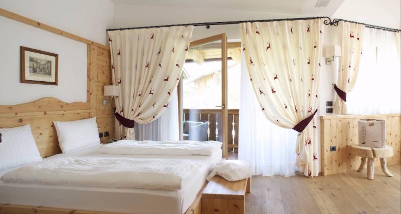 pineta-hotels-ilovevaldinon-camere-compressor