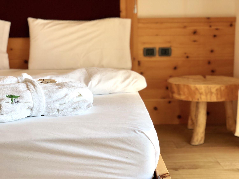 pineta hotels in val di non-camera