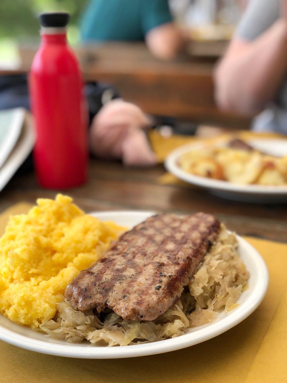 regole-di-malosco-mangiare in rifugio