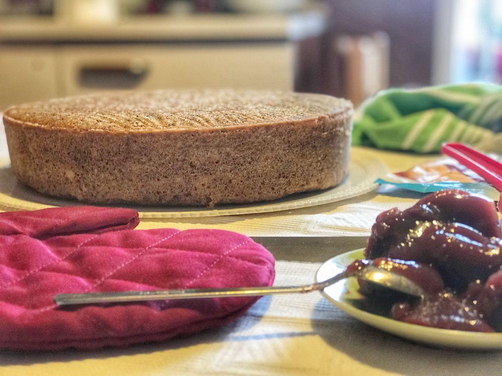 torta di grano saraceno in preparazione