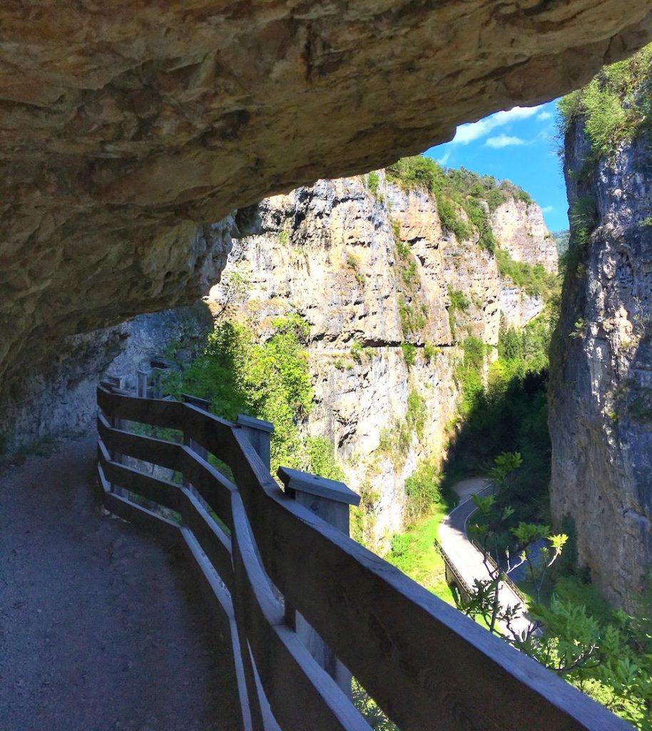 Canyon in Val di Non-sentiero nella roccia