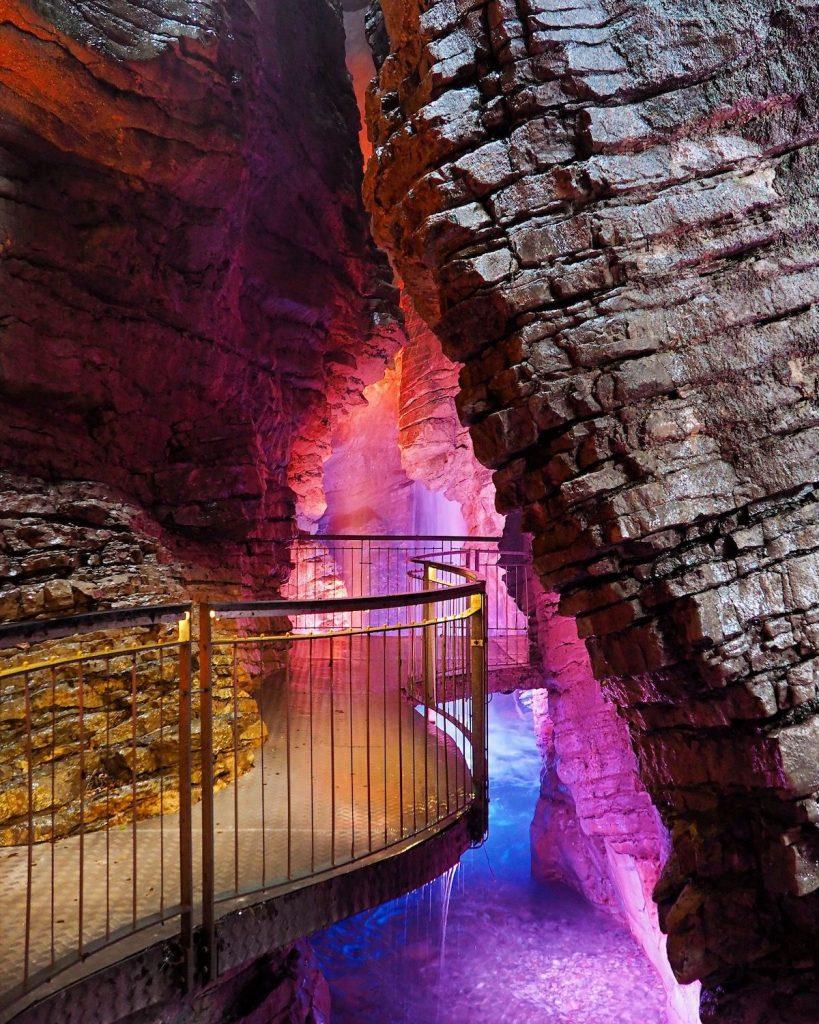 canyon in trentino alto adige-cascata del varone