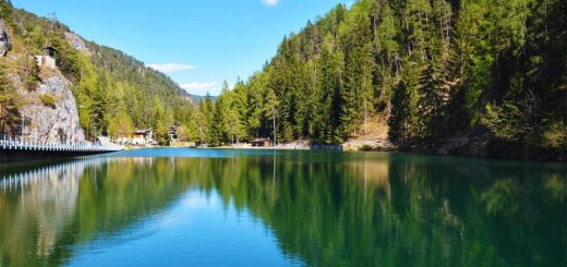 laghi in Val di Non in macchina-lago smeraldo