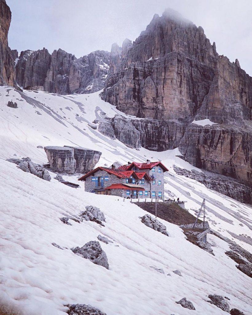 Dolomiti di Brenta rifugio Agostini