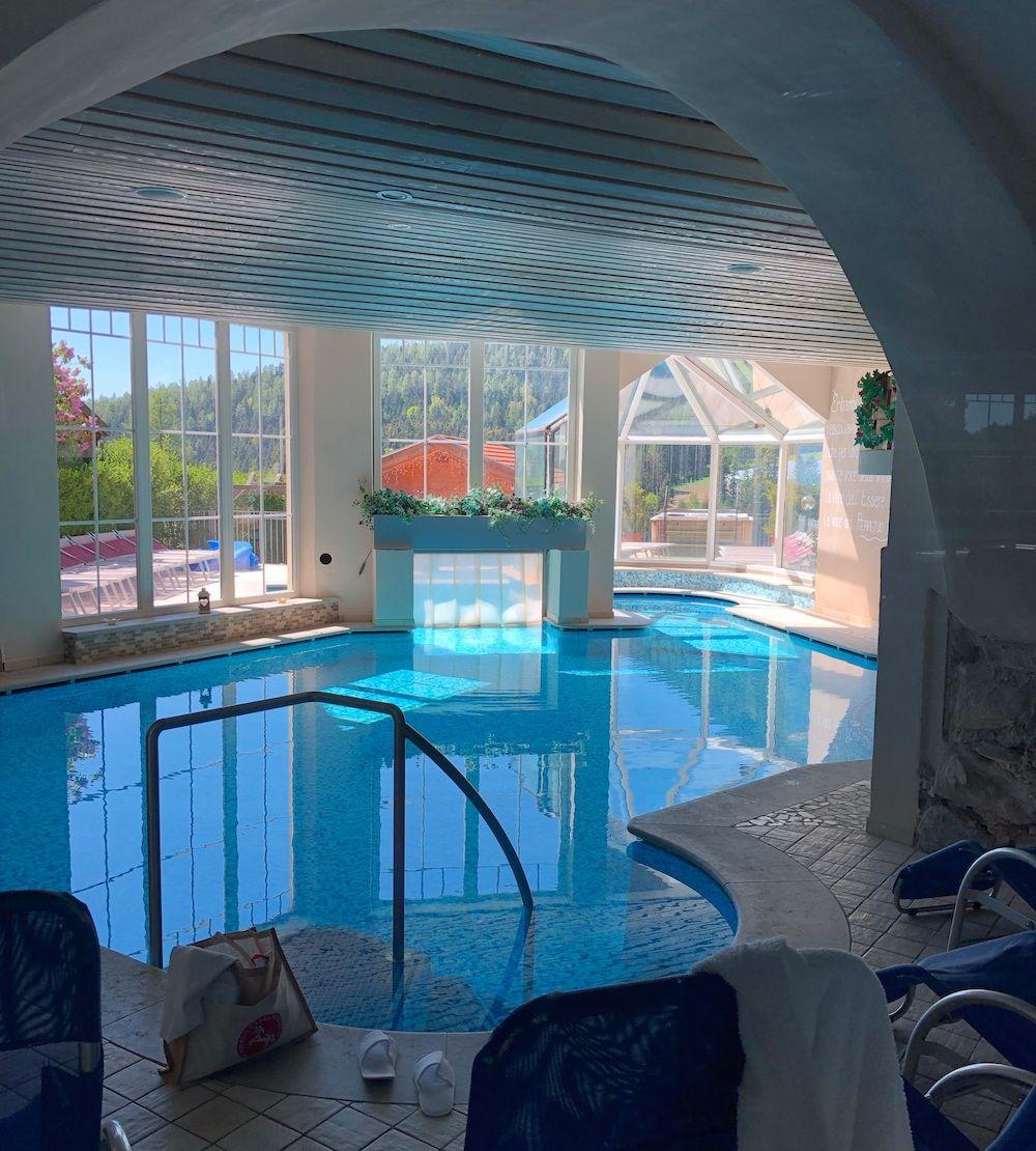 hotel cavallino bianco-rumo-piscina interna