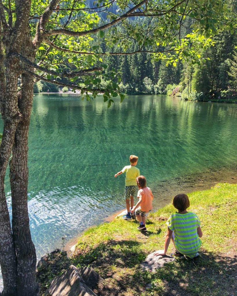 in riva al lago dei caprioli