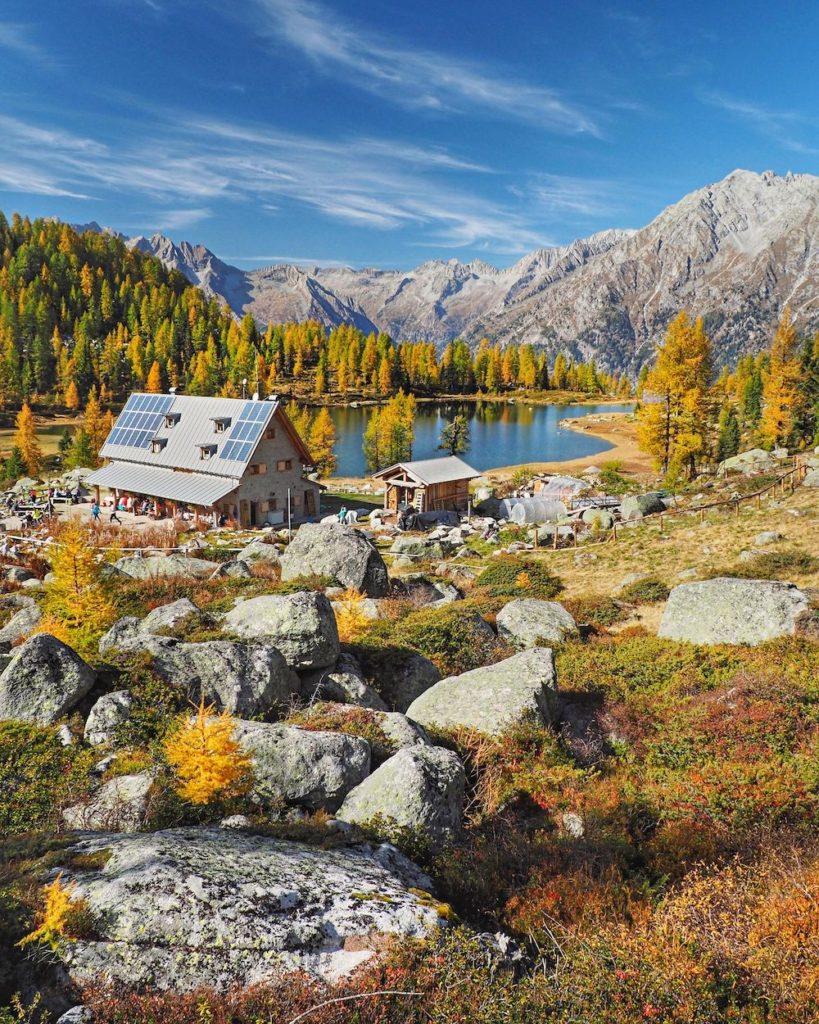 rifugio San Giuliano in autunno