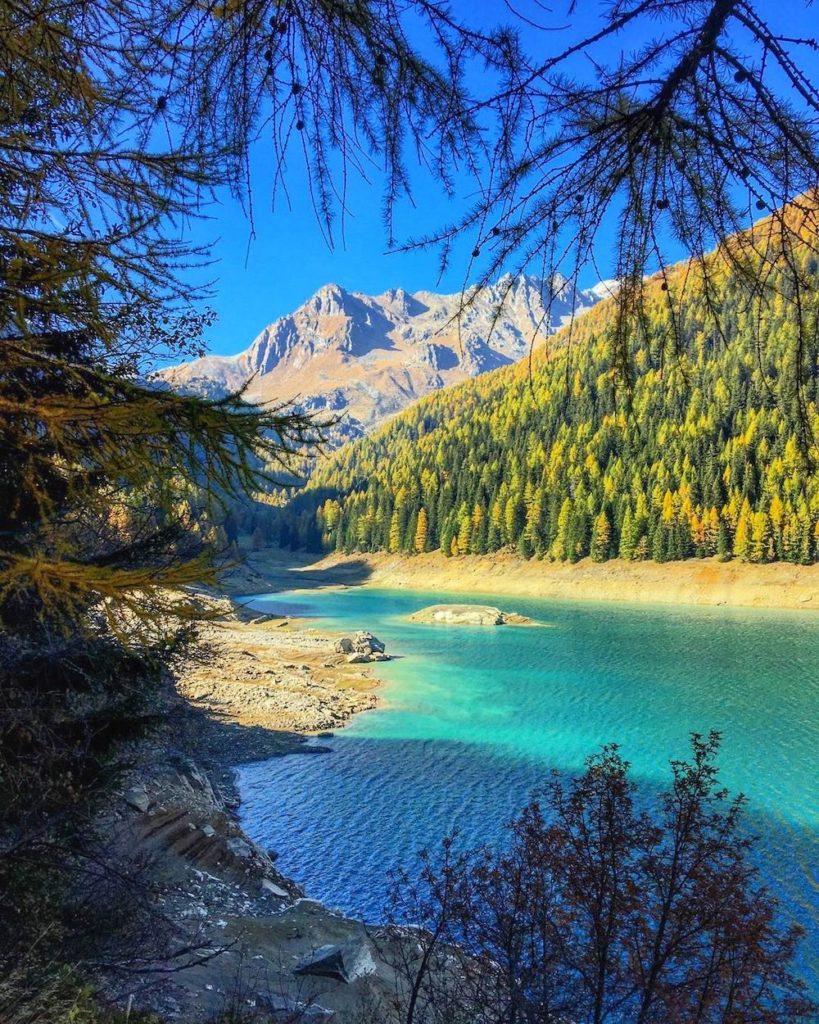 passeggiate in autunno in val di sole-lago di pian palu
