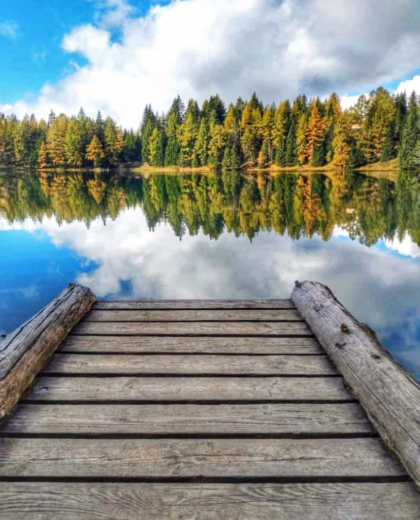 lago di tret in autunno