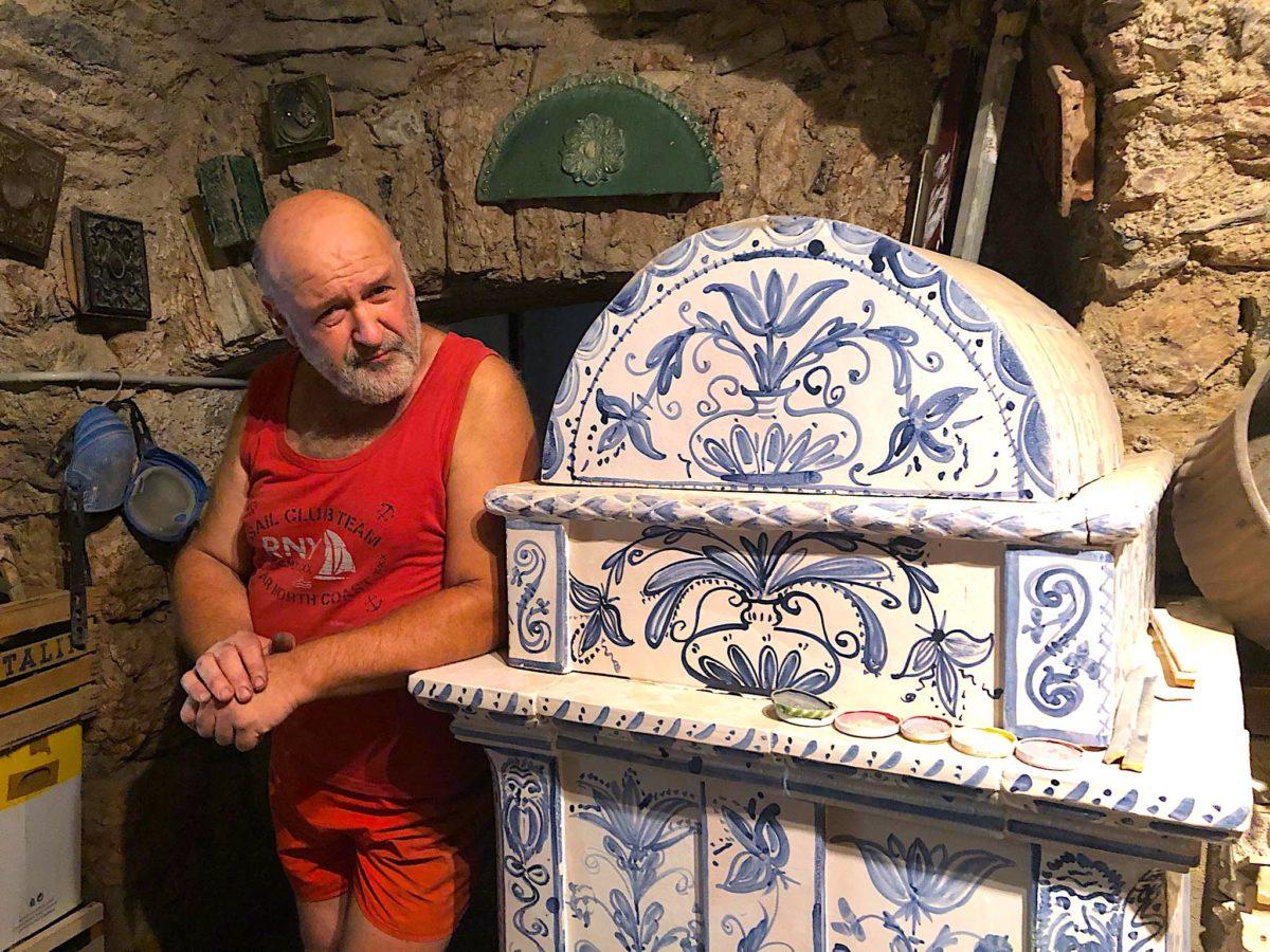 Trentino Alto Adige Artigianato ferruccio marinelli. l'ultimo artigiano delle stufe a olle