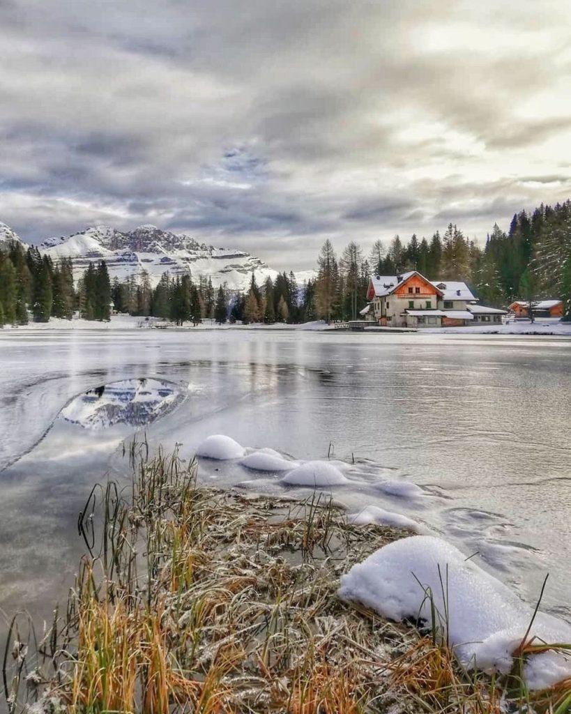 laghi trentino alto adige in inverno-lago nambino