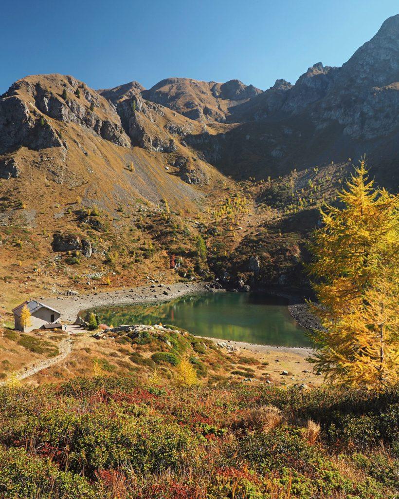 lago di erdemolo autunno