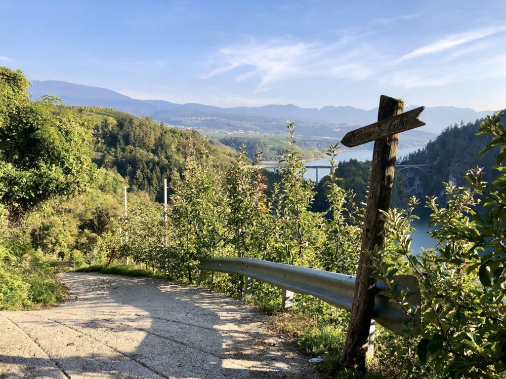 sentiero dalla terrazza dei sapori