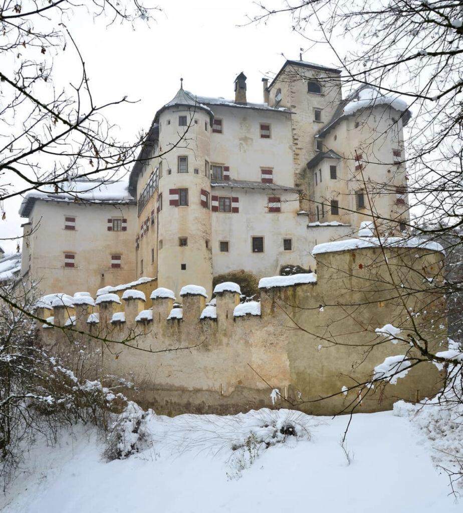 castel bragher inverno