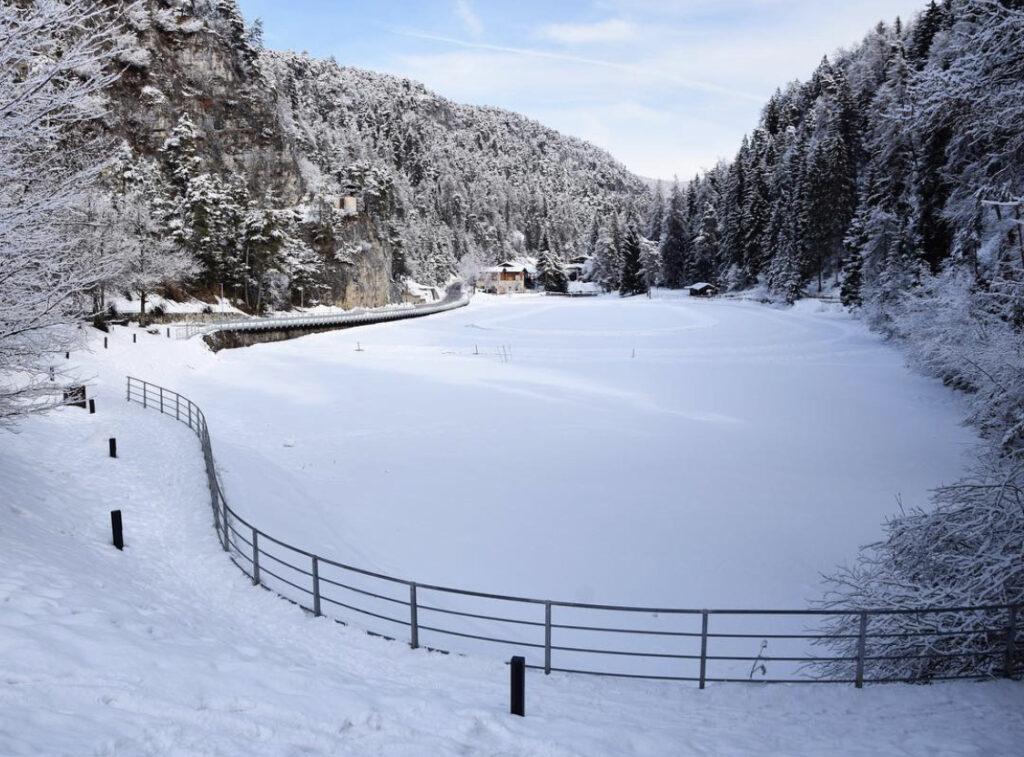 inverno lago smeraldo fondo