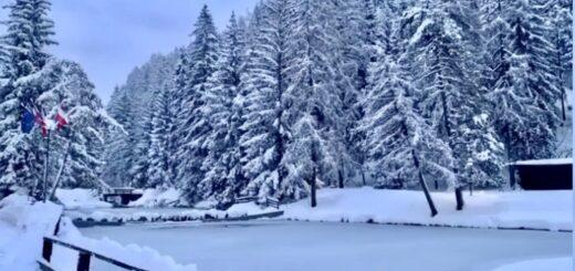 lago smeraldo fondo inverno